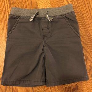 Carter's Kid Boys Grey Shorts: size 4/5